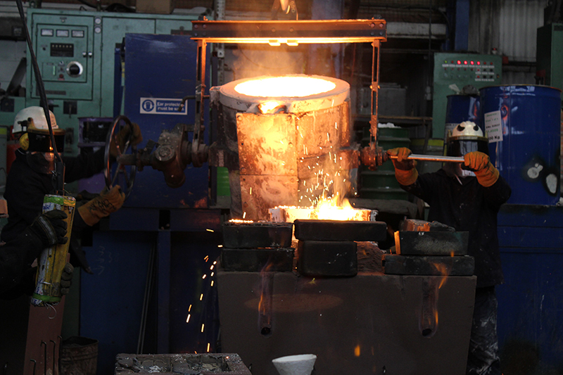 metal pouring